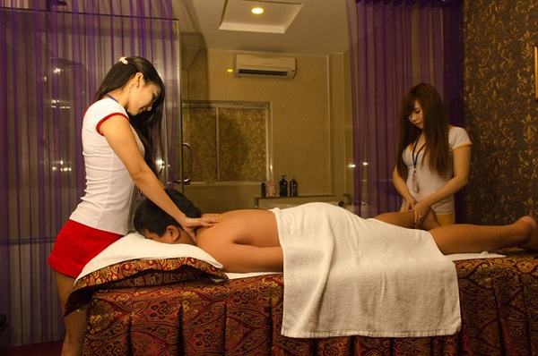 girls in sensual massage australia